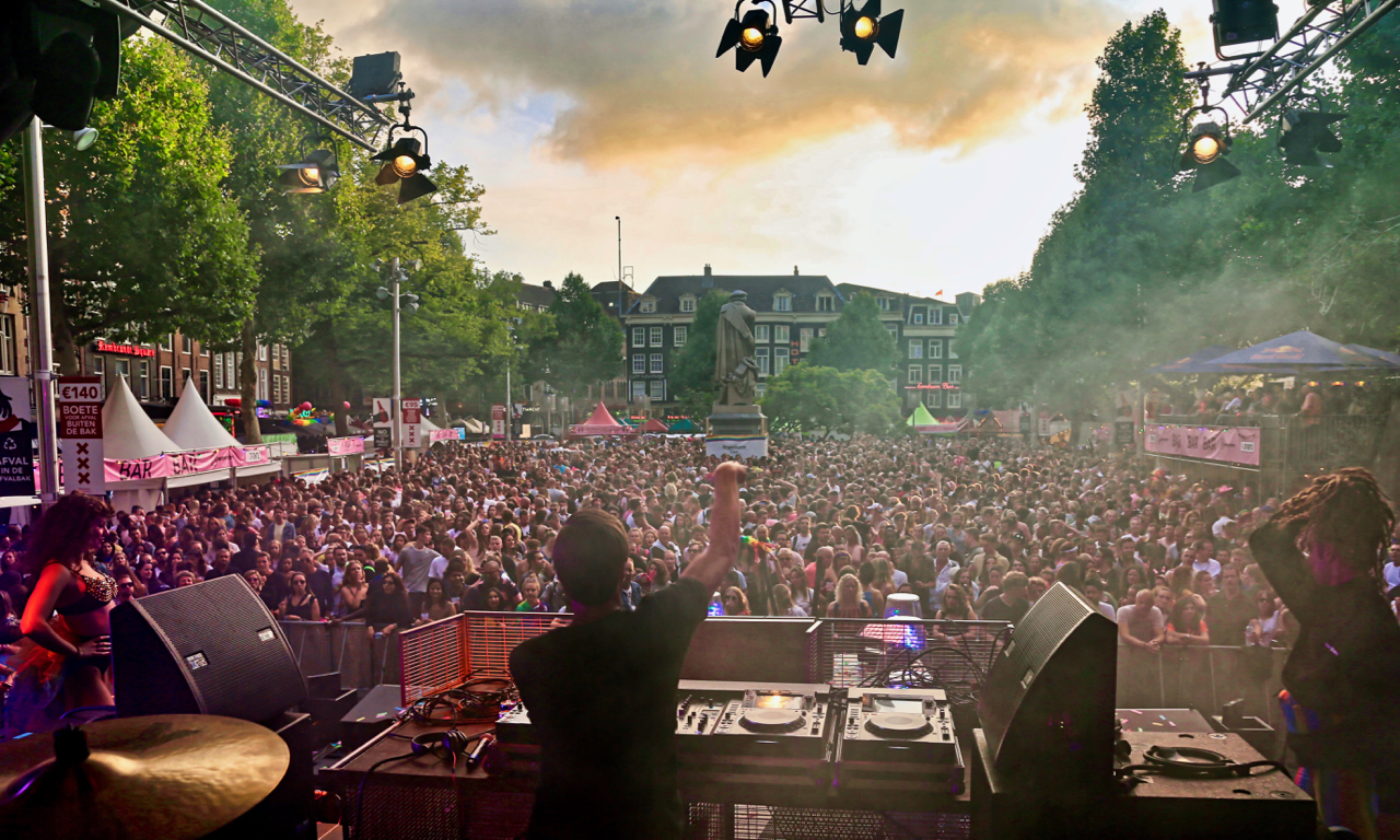 DJ X-Change in Amsterdam at Housebootlegs Mainstage August 3 2019